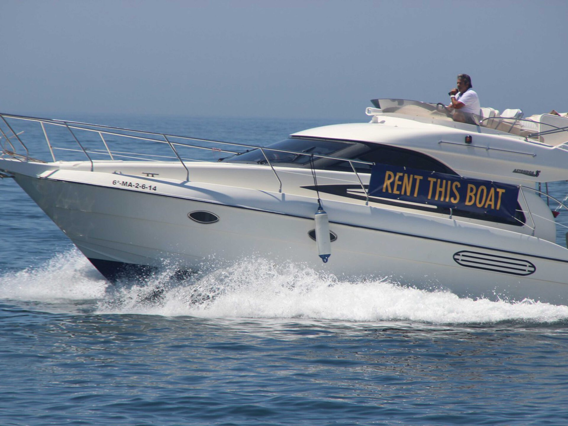 boat lovitcharter ASTONDOA 36 AS