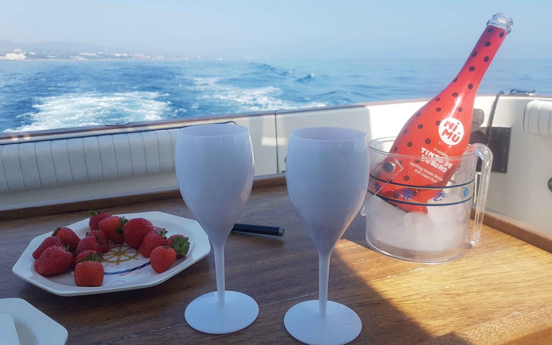 boat lovitcharter drink